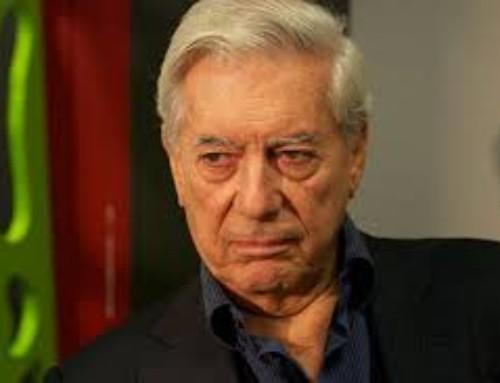 El Mundo premia la labor periodística de Vargas Llosa